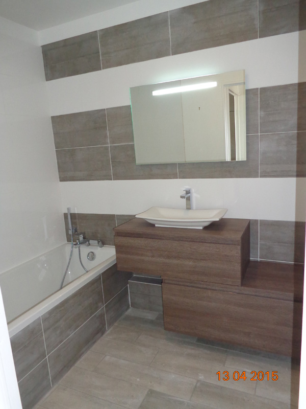 Cr ation et installation de salle de bain val d 39 oise 95 - Salle de bain carrelee ...